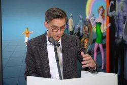 """Vernissage der Ausstellung Matthias Rataiczyk, Vorsitzender des Kunstvereins """"Talstrasse"""""""