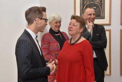Ministerin Claudia Dalbert und der Direktor der Moritzburg Thomas Bauer-Friedrich