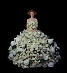"""Nathalia Edenmont First Wedding"""", 2015, C-Print auf Glas, Galerie Schultz Berlin © VG Bild-Kunst, Bonn 2017"""